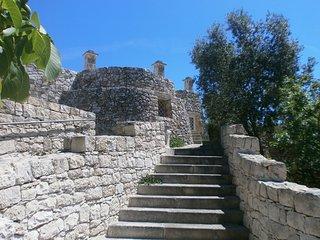 Trullo Villa Giuliana on scenic hills - FREE WIFI, Ostuni