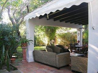 Villa pareada con encanto en Marbella