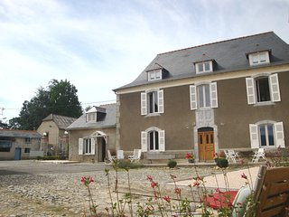 Suite in a charming B&B between Pau, Lourdes and Tarbes
