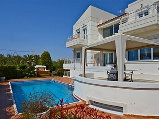 Luxurious Villa with Private Pool