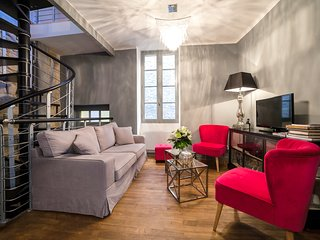 Exceptional 2 bd apartment in Sarlat, sleeps 4, Wifi & washer/dryer, Sarlat-la-Canéda