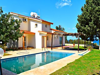 Latchi Villa - Tourist Location - Stunning Sea Views - 10 mins to Harbour