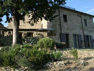 Umbrie - Citta-di-Castello, studio met zicht op de Tibervallei en Apenijnen