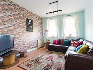 Castle View Apartment - Cardiff North - M4 - J32