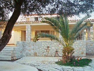 Villa Marialina Agios Aimilianos  sleeps 6+1 -whether you're famous or not-