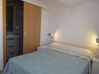 Habitacion con bano privado, terraza, WIFI y TV al lado de la playa de Roses