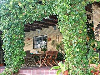 Bonita casa con piscina y zona chillout, Valencina de la Concepcion