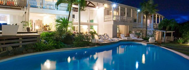 Villa Caye Blanche 3 Bedroom (This Elegant, Split-level Residence Has A Large