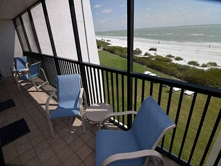 Sundial A306 1 bedroom gulf front resort condo, 25 ft from the beach