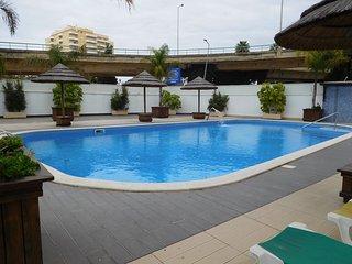 Abdul White Apartment, Portimao, Algarve, Praia da Rocha