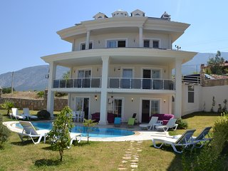 Villa Exclusive! Private and in Hisaronu Center stays 13 person