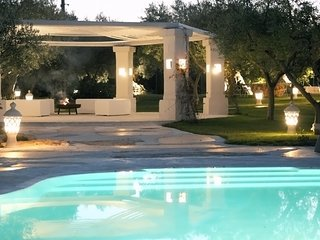 La Dimora del Poeta -Luxury Trulli typical houses with swimming pool in Apulia