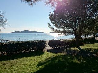 Résidences A Ruscana : Mini-villas pieds dans l'eau plage de Pinarellu