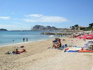 A 100m des plages, Appartement neuf climatise au Calme