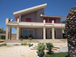 Villa Sortino, quiete e relax al mare, Marina Di Modica