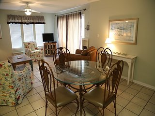 Southern Sands 104 - Walk to Town, Prime location in Gulf Shores