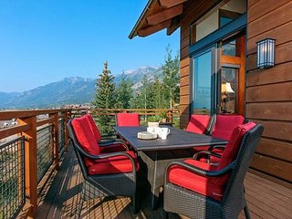 5 Star Lodge with Beautiful Views at Jackson Hole Mountain Resort! Hot Tub!, Teton Village