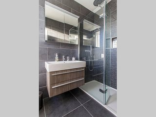 Luxurious Ensuite Dbl Room near C.C