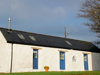 North Pembrokeshire hideaway, ideal romantic escape in tranquil location
