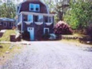 Sagamore, Cape Cod Vacation Rental - Lovely old Cape known as the 'Rose Cottage'
