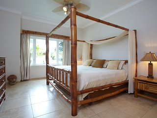 2-bedroom close to the beach