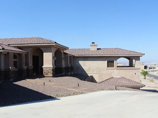 Comfortable, Spacious, Vacation Home in Lake Havasu City, AZ