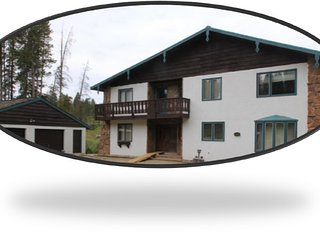 11 Bedrooms, 7.5 Bathrooms....5 minute walk to the Winter Park Lift Service!