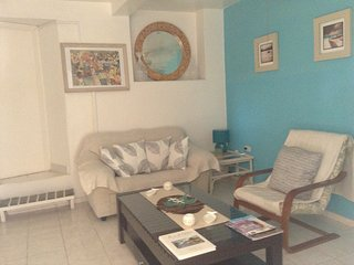 1 Bedroom Apt. Private Pool, Patio Area &  Garden.Beaches within short walk.