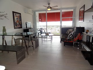 STYLISH 2 BEDROOM, Isla Verde