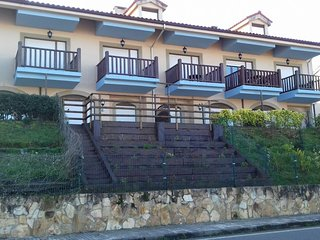 Precioso apartamento con jardin privado frente a la playa de Comillas
