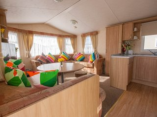 Golden Sands Holiday Park  -  Gold Standard Caravan to Hire - Free Fast WIFI