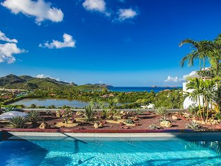 Resplendent Hilltop St Barts Luxury Villa with Pool and Ocean Views, Saint-Jean