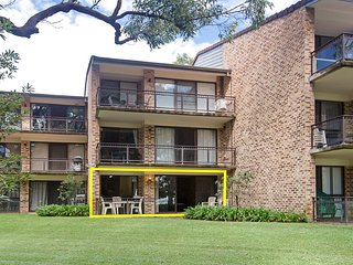 23 'Bay Parklands', 2 Gowrie Avenue - Air conditioned, Pool & tennis court