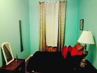 Amazing Bedroom Near Manhattan, Brooklyn