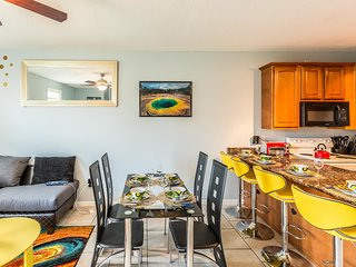 ❤️ YELLOW- 5min walk to Beach. Sleeps 10, Casinos ** BEST REVIEWS IN THE COMPLEX, Gulfport