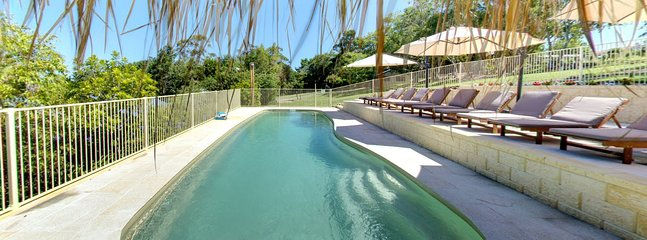 Jacaranda Cottages - Pool
