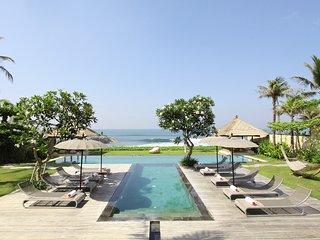 Villa Melissa Beachfront By Balion