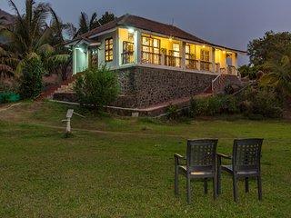 SaffronStays Salt Rim - Beachfront villa near Alibaug