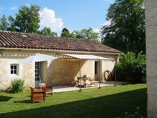 Le Gavachon - Gite Rural 5 couchages, parc 15 ha avec piscine et tennis
