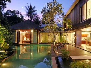 Villa Paya Paya Petitenget Seminyak 3BDR private pool