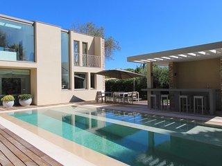 Luxueuse villa contemporaine au cœur de Saint-Trop, St-Tropez