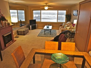 Deluxe Family Suite - Beachfront with incredible ocean view, Lincoln City