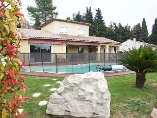Perfect family villa with swimming pool + a separate studio with wonderful view, Vence