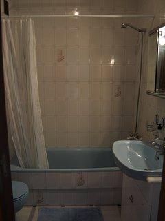 The upstairs bathroom...
