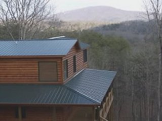 Enjoy a Peaceful Stay at Quiet Thunder in the North Georgia Mountains, Mineral Bluff