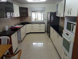 4 bdrm flat in Bak'a Talpiot in an excellent Jerusalem Location
