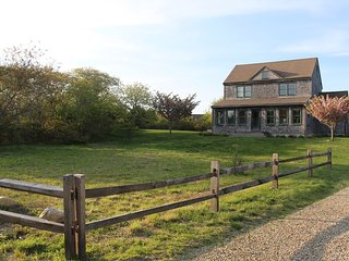 15 Hawthorne Lane, Nantucket