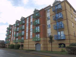 One Bedroom Apartment - Ambassador House, Swansea