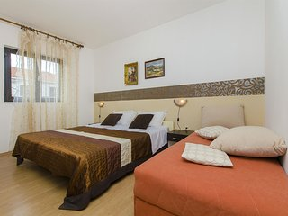 Apartments Ružica - 24181-A4, Solin