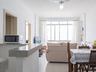 Apartment facing the sea in Guaruja, the real foot in the sand.